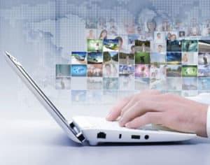 social-media-computer-igm-lg